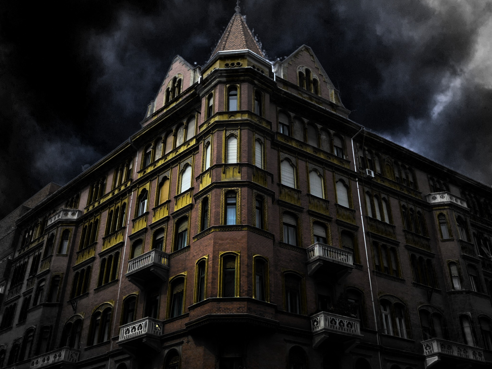 haunted-house-corner-200065.jpg